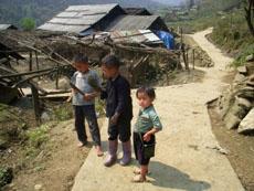 children in sin chai village