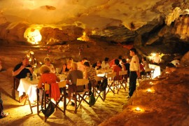 Enjoy dinner in the cave of Bai Tu Long Bay