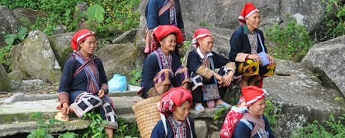 Red Dzao home stay trek