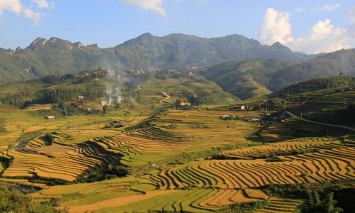 trek to Ta Phin- Sapa