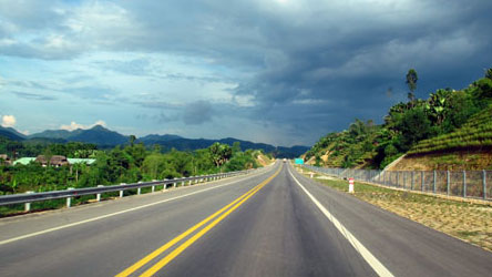 the Hanoi Lao Cai Highway