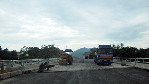 work Lao Cai Hanoi Highway