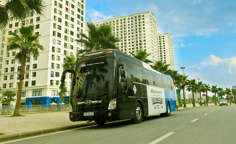 Sapa Express consists of 10 luxury limousine luxury buses by Sapa Travel
