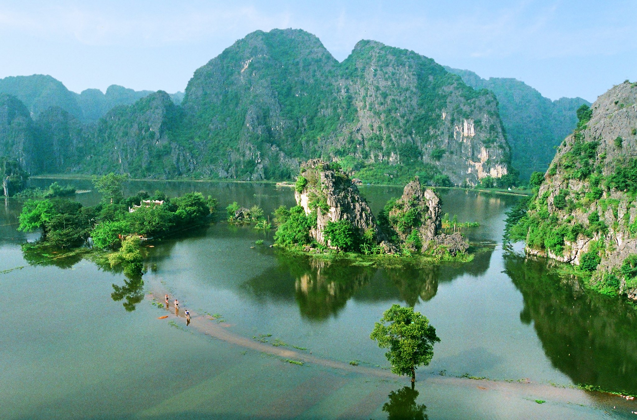 from Sapa, Halong to Ninh binh